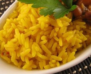 الأرز الأصفر بالدجاج والخضروات