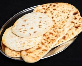 خبز النان بالزبدة ..