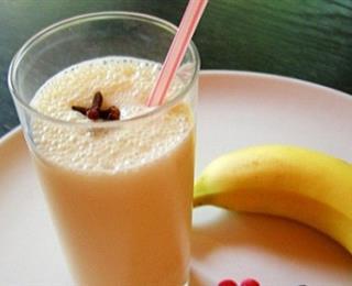 عصير الموز بالحليب