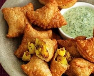 سمبوسة البطاطا الهندية