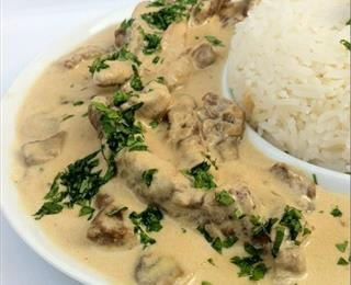 لحمة مفرومة بالكريمة مع الأرز