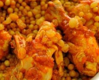 المفتول (مغربية) بالدجاج وماء الورد