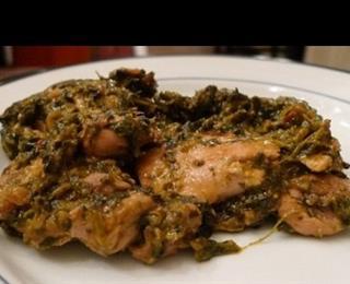الدجاج والسبانخ مع الكاري