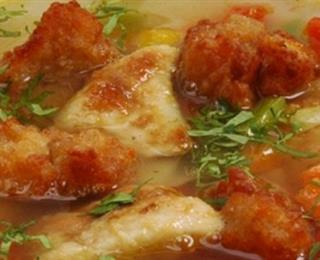 الدجاج المحمر وكُرات الخبز