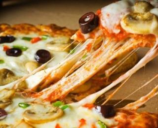 بيتزا الدّجاج والرّيحان