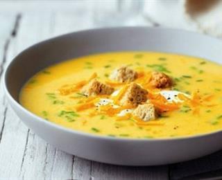 شوربة البصل بالجبن البارميزان