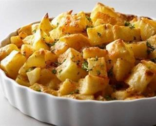 مكعبات البطاطس بالجبن