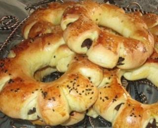 الخبز بالتمر