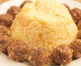 أرز معمر بالكفتة