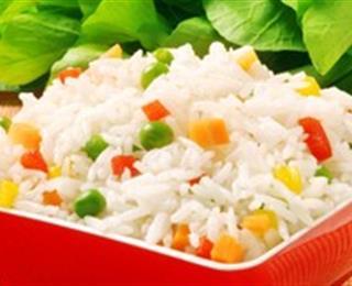 أرز بالفلفل الملون