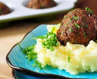 كرات اللحم بالنكهة الشرقية