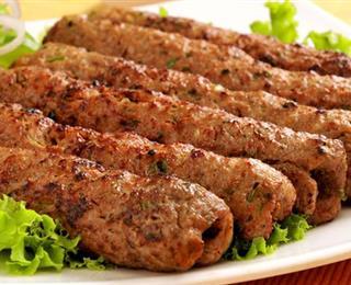 أسياخ اللحم المفروم